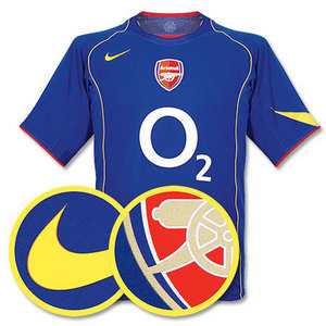 04-05 Arsenal Away (Code-7 Player Issue)
