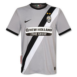 09-10 Juventus Away