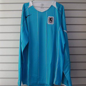 04-05 1860 Munchen L/S (Code-7 Player Issue)