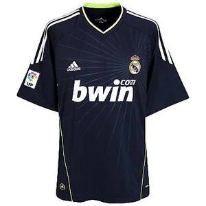 10-11 Real Madrid Away