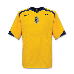 05-06 Juventus Away
