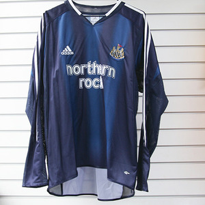 04-05 Newcastle United Away L/S