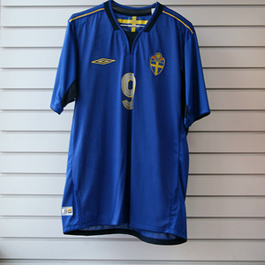 04-06 Sweden Away + 9 LJUNGBERG